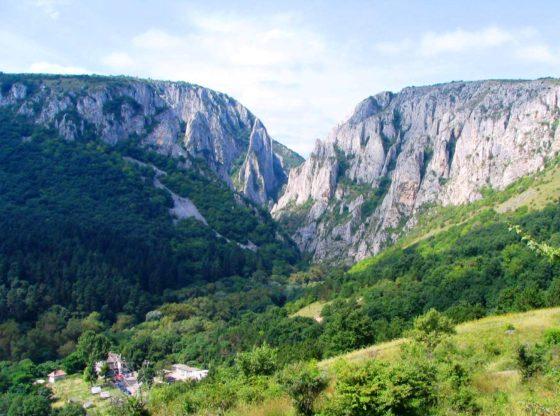 Cheile Turzii, la 12 km de Turda
